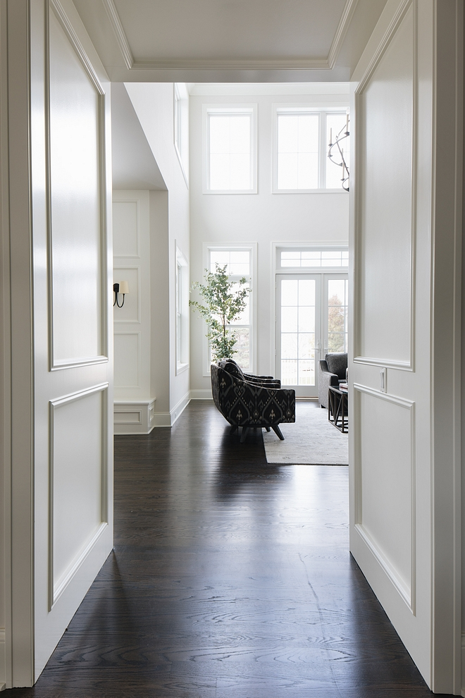 Benjamin Moore Simply White Millwork Paint Color Best white paint colors for millwork Benjamin Moore Simply White Millwork Paint Color #BenjaminMooreSimplyWhite #Millwork #PaintColor #MillworkPaintColor