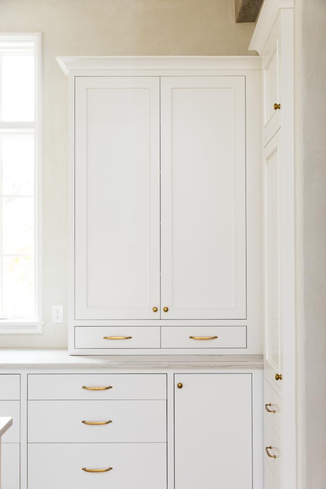 Kitchen Brass Cabinet Hardware Kitchen Brass Cabinet Hardware on white off kitchen cabinets Kitchen Brass Cabinet Hardware #Kitchen #BrassCabinethardware #Cabinethardware