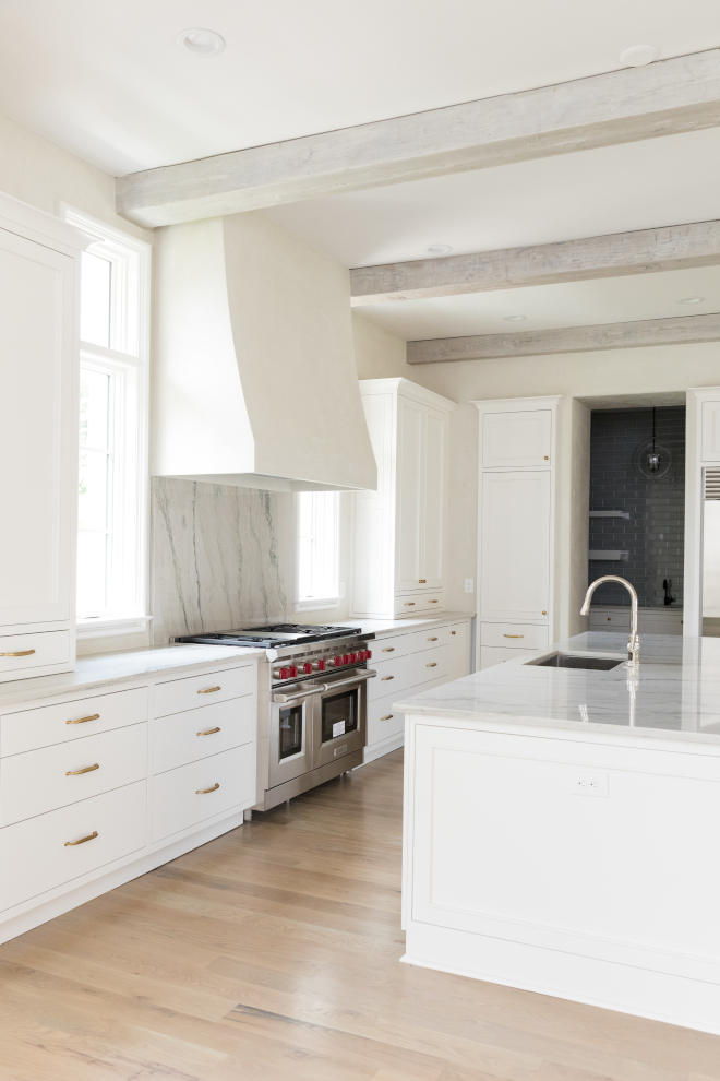 Low sheen white oak hardwood floor Low sheen white oak hardwood floor Off-white kitchen with Venetian Plaster kitchen hood Venetian Plaster walls and Low sheen white oak hardwood flooring #Lowsheenhardwoodfloor #whiteoakhardwoodfloor #hardwoodfloor