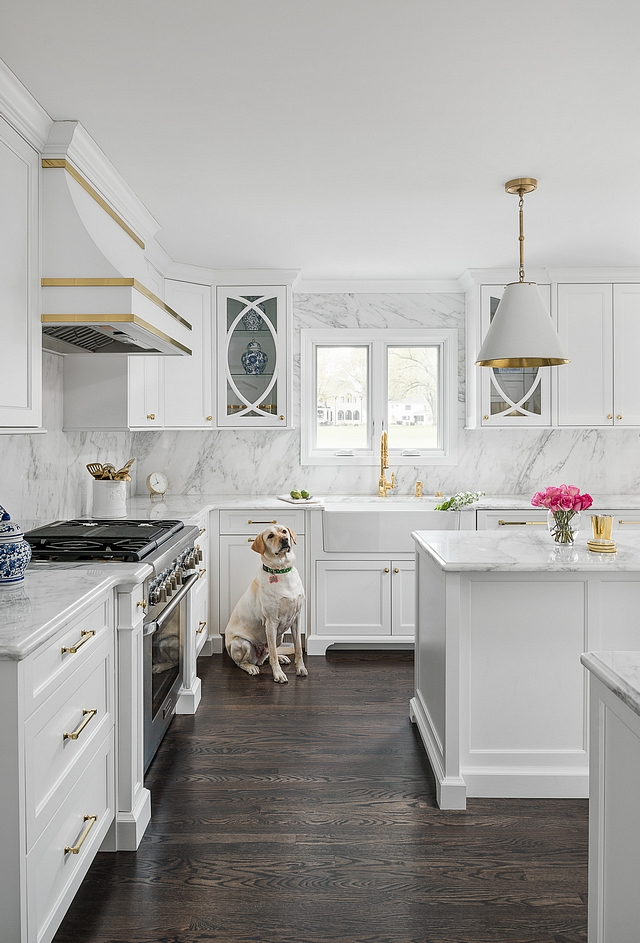 Benjamin Moore Super White White Cabinet Paint Color Benjamin Moore Super White Benjamin Moore Super White Benjamin Moore Super White #BenjaminMooreSuperWhite #whitecabinetpaintcolor #whitepaintcolor