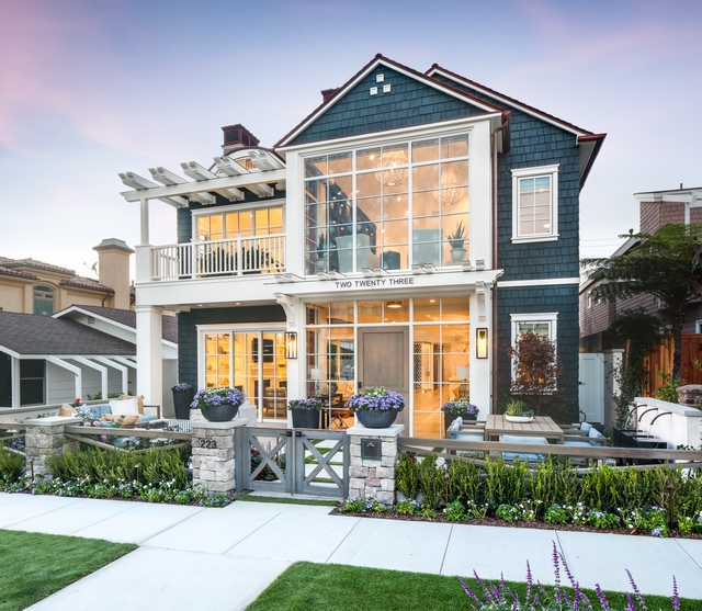 Shingle Coastal Home Shingle Coastal Home Design Shingle Coastal Home Architecture California Shingle Coastal Home #ShingleCoastalHome #ShingleHome #CoastalHome #ShingleCoastalHomes #Architecture #CaliforniaCoastalHome #CaliforniaHomes