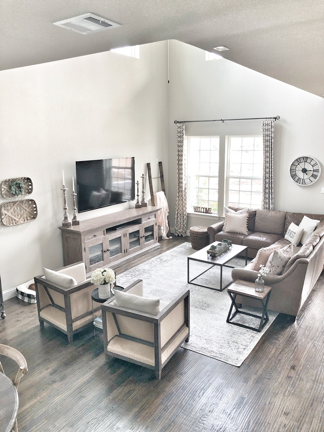 The floors in the main living areas are Red Oak hardwood scraped lightly with the grain and stained ebony Red Oak hardwood scrapedhardwood flooring Red Oak hardwood scraped #RedOak #hardwoodflooring #scrapedhardwoodflooring