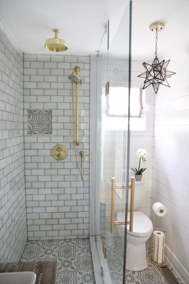 Showere glass enclosure for small bathroom