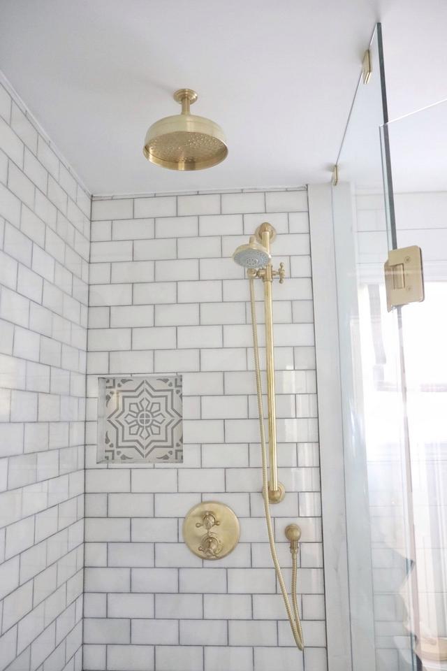 Brass Shower Pumbling Faucet Rainfall Shower Head, Handshower and Shower Valve Trim #Brass #Shower #Pumbling #Faucet #RainfallShowerHead #Handshower #ShowerValveTrim
