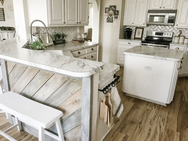DIY shiplap boards on kitchen island Farmhouse kitchen renovation with DIY shiplap boards on kitchen island #DIYshiplap #shiplapboards #shiplapkitchenisland #farmhouserenovation #farmhousekitchenrenovation
