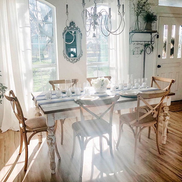 Farmhouse dining room Real Farmhouse dining room Rustic Farmhouse dining room farmhouse interior ideas Farmhouse dining room #Farmhouse #diningroom #farmhousediningroom