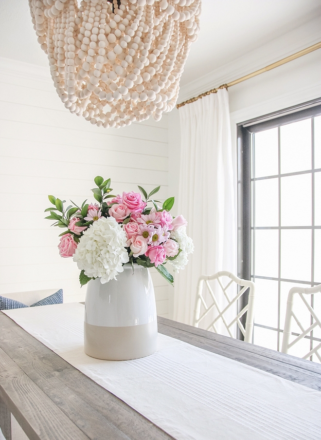 Table Decorating Ideas Neutral tabletop decor with vase with blush pink flowers and white hydrangeas Table Decorating Ideas Neutral tabletop decor with vase with blush pink flowers and white hydrangeas #TableDecoratingIdeas #Neutraltabletop #decor #vase #blushpink #flowers #whitehydrangeas
