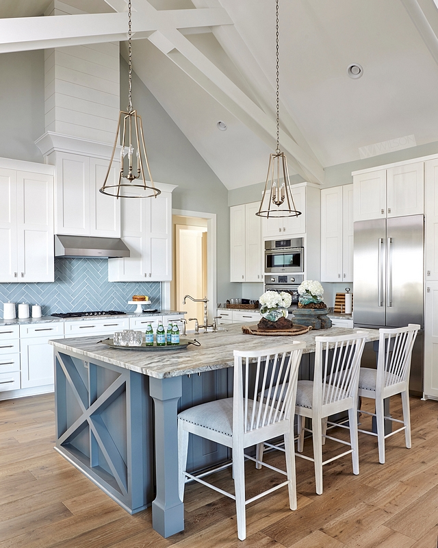 Sherwin Williams SW7057 Silver Strand Wall paint color is Sherwin Williams SW7057 Silver Strand Beautiful white kitchen with grey walls painted in Sherwin Williams SW7057 Silver Strand #SherwinWilliamsSW7057SilverStrand #SherwinWilliamsSilverStrand #SherwinWilliamsSW7057 #SilverStrand #SherwinWilliams