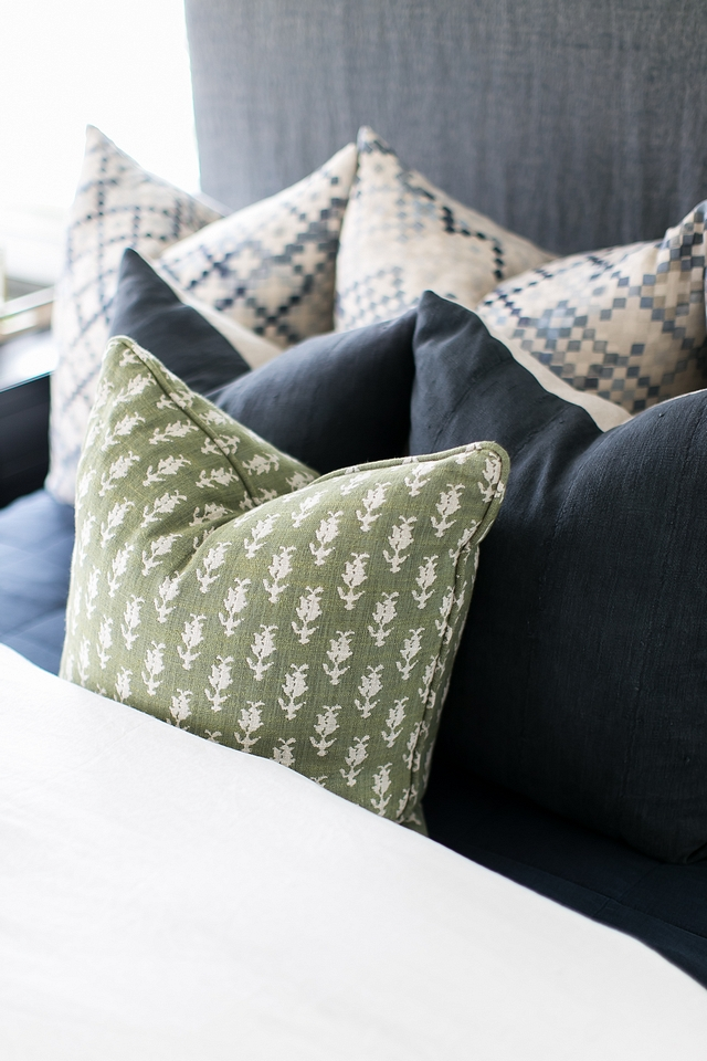 Bohemian pillow Bohemian pillows Bedroom Bohemian pillow combination ideas Bohemian pillows #Bohemianpillows
