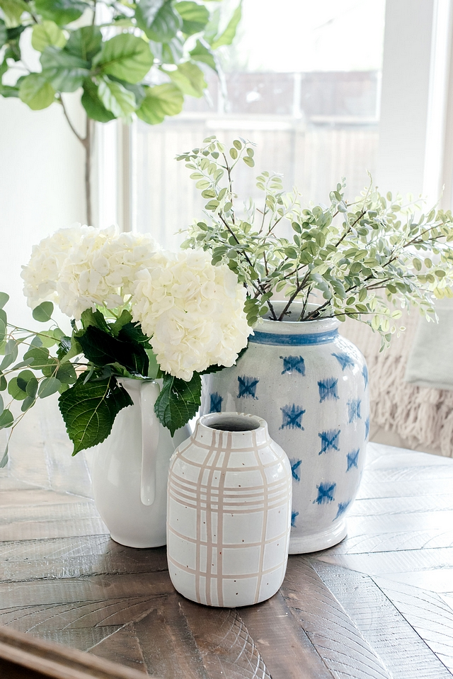 Vases How to decorate a dining table with vases Vases How to decorate a dining table with vases Decorating with Vases #vases #diningtable #decoratingwithvases #vasesdecor #homedecor