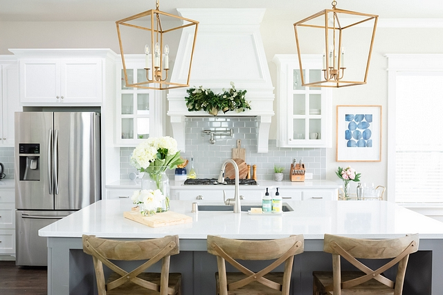 White kitchen with grey subway tile backsplash White kitchen with grey subway tile backsplash and grey island White kitchen with grey subway tile backsplash White kitchen with grey subway tile backsplash #Whitekitchenwithgreysubwaytile #Whitekitchenwithgreysubwaytilebacksplash #greysubwaytilebacksplash
