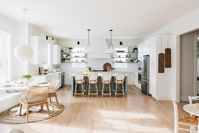 Open kitchen The kitchen, breakfast nook and family room are open and feel connected to each other #openkitchen #kitchelayout #layout