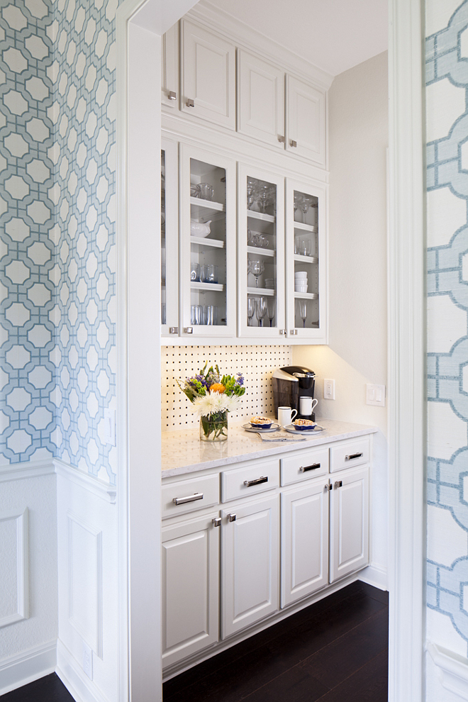 Benjamin Moore French Canvas Butler's pantry Benjamin Moore French Canvas cabinet paint color Benjamin Moore French Canvas is a warm white that is perfect for off white cabinet Benjamin Moore French Canvas Benjamin Moore French Canvas #BenjaminMooreFrenchCanvas