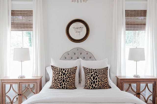 White bedding with a pair of leopard print pillows Neutral bedroom with White bedding with a pair of leopard print pillows White bedding with a pair of leopard print pillows #Whitebedding #leopardprint #leopardpillows