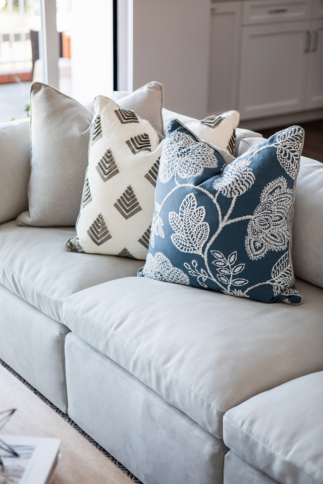 Custom Pillows Robert Allen Custom pillow Fabricut pillows #pillows #custompillows #Fabricut #RobertAllen