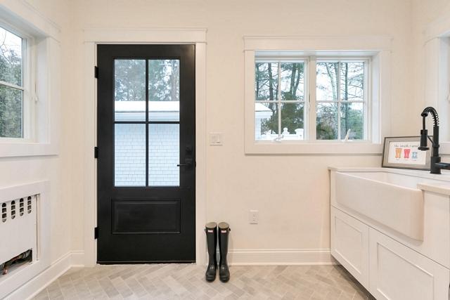 Black door ¾ Glass Lite Black Door Glass Lite Black Door with white window and white doors Glass Lite Black Door Glass Lite Black Door #GlassLitedoor #BlackDoor