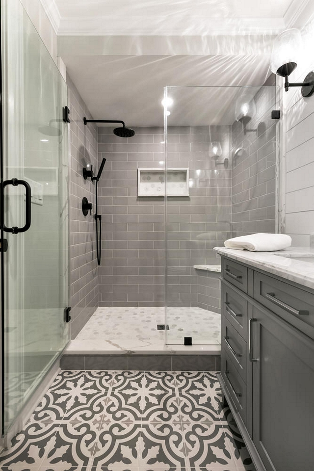 Grey bathroom tile combination Grey bathroom tile combination ideas with grey subway tile, white and grey marble tile and grey cement tile Grey bathroom tile combination Grey bathroom tile combination #Greytile #bathroomtile #tilecombination #greysubwaytile #greycementtile #marbletile