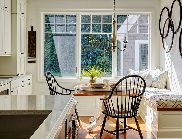 Eider White by Sherwin Williams Warm Eider White by Sherwin Williams paint color Eider White by Sherwin Williams #EiderWhitebySherwinWilliams #EiderWhite #SherwinWilliams