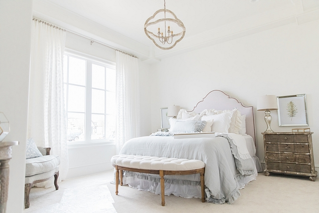Sherwin Williams Alabaster Bedroom White bedroom paint color Sherwin Williams Alabaster Bedroom Sherwin Williams Alabaster Bedroom Sherwin Williams Alabaster Bedroom #SherwinWilliamsAlabaster #Bedroom