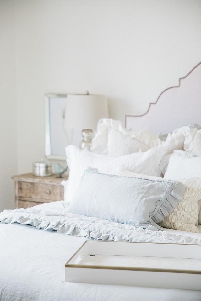 Linen Ruffle Duvet Cover Linen Ruffle Duvet Cover Softe textures Soft colors Bedding Linen Ruffle Duvet Cover #Linenbedding #RuffleDuvetCover