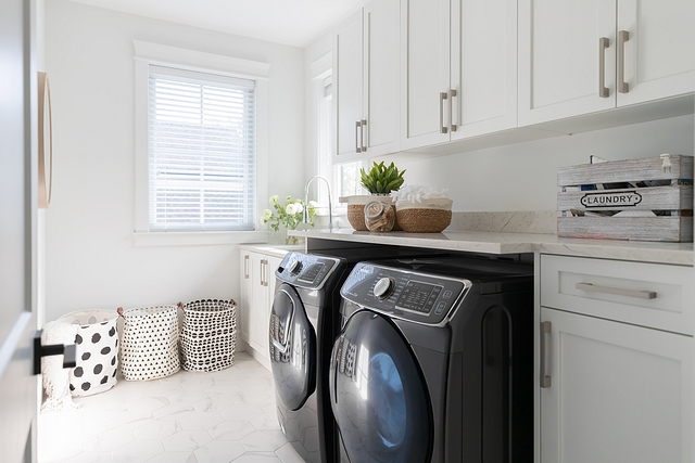Sherwin Williams Pure White Sherwin Williams Pure White Laundry room cabinet paint color Sherwin Williams Pure White Sherwin Williams Pure White #SherwinWilliamsPureWhite