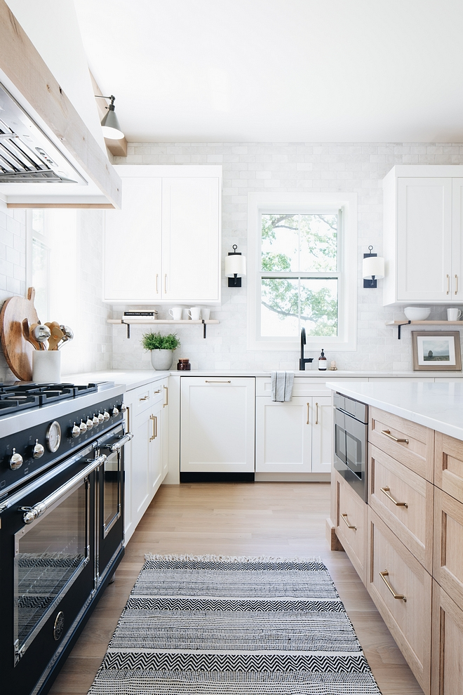 Benjamin Moore Simply White Kitchen