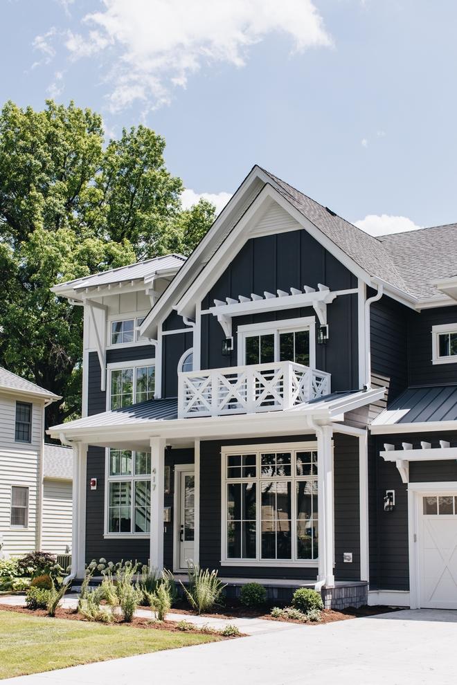 Dark Siding Farmhouse Home Bunch Interior Design Ideas