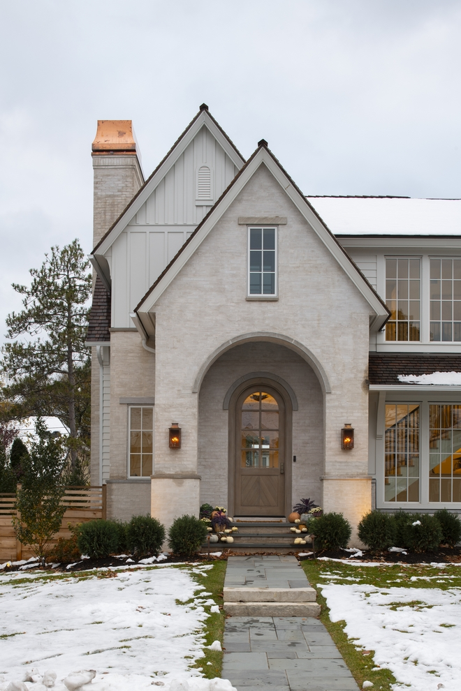 Classic European Style Home With Neutral Interiors Home Bunch Interior Design Ideas