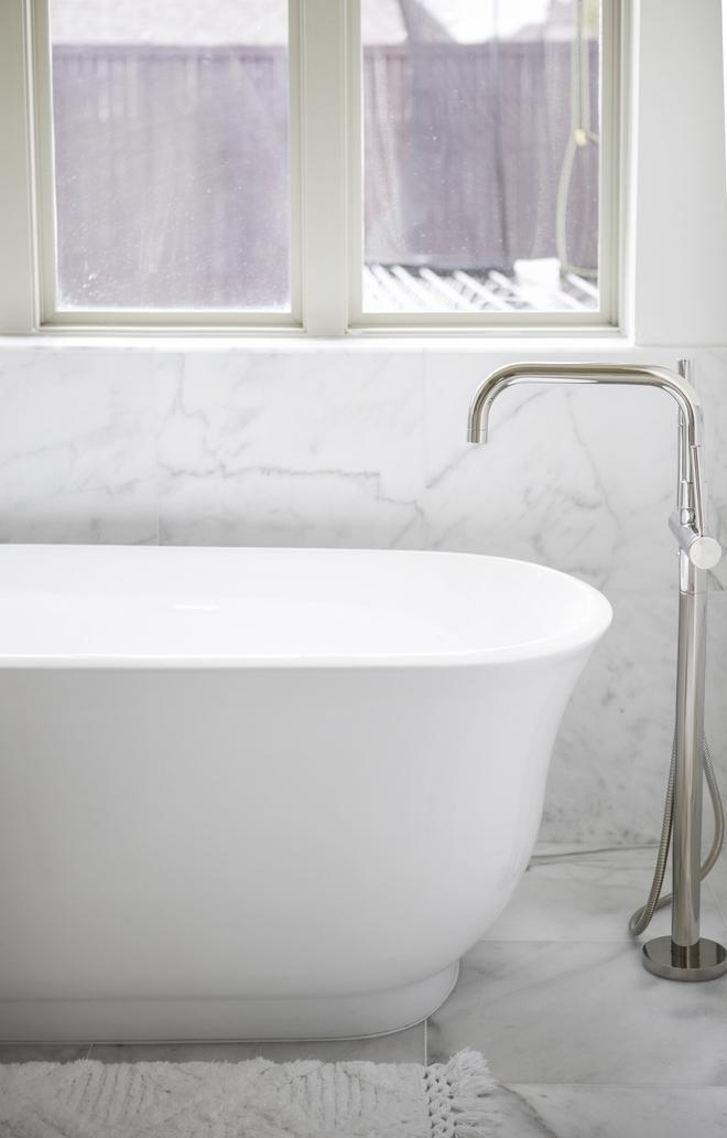 Bathroom Carrara Marble Wainscoting