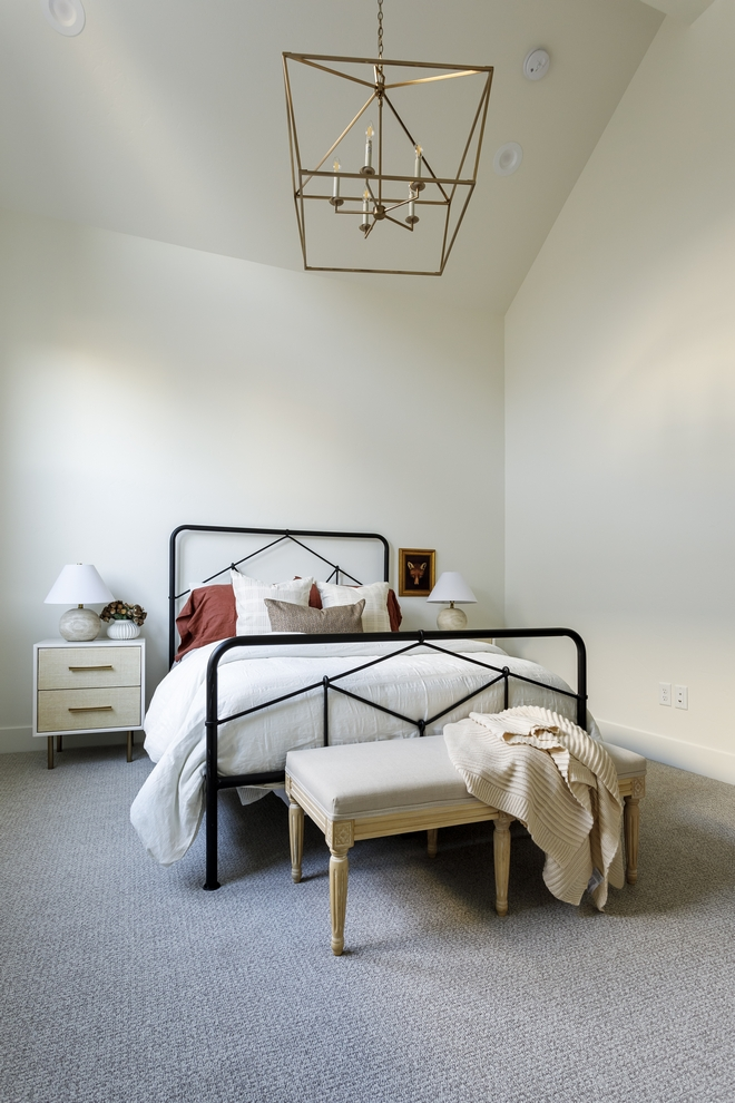 Sherwin Williams Alabaster adds a warming feel to any space What a beautiful shade