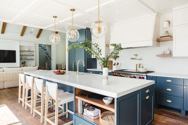 Two-toned-kitchen-cabinet