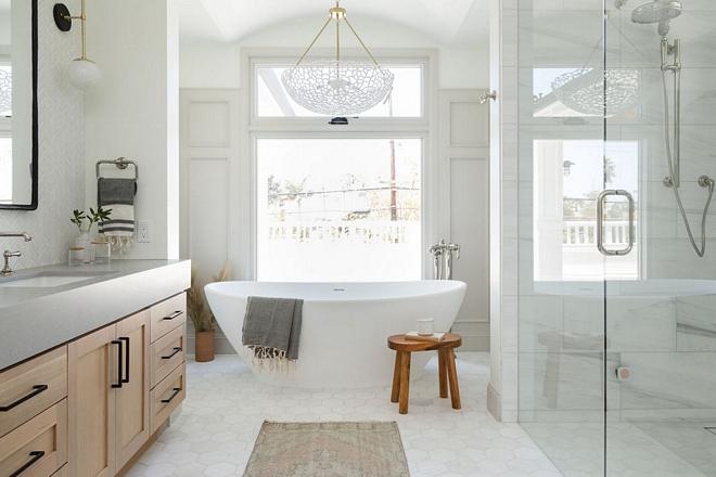 Benjamin-Moore-Chantilly-Lace-Bathroom-Paint-Color