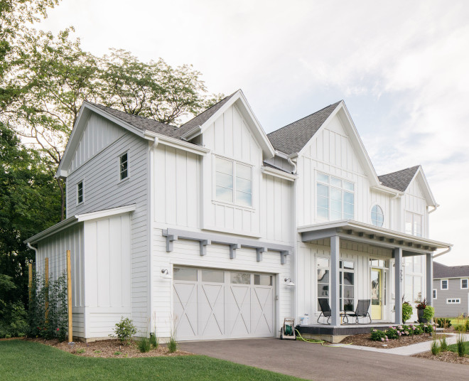 Hardie Arctic White with Sherwin Williams Network Gray Hardie Arctic White with Sherwin Williams Network Gray Hardie Arctic White with Sherwin Williams Network Gray Hardie Arctic White with Sherwin Williams Network Gray #HardieArcticWhite #SherwinWilliamsNetworkGray #SherwinWilliams
