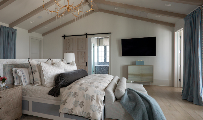 Master Bedroom Paint Color Benjamin Moore Decorator's White