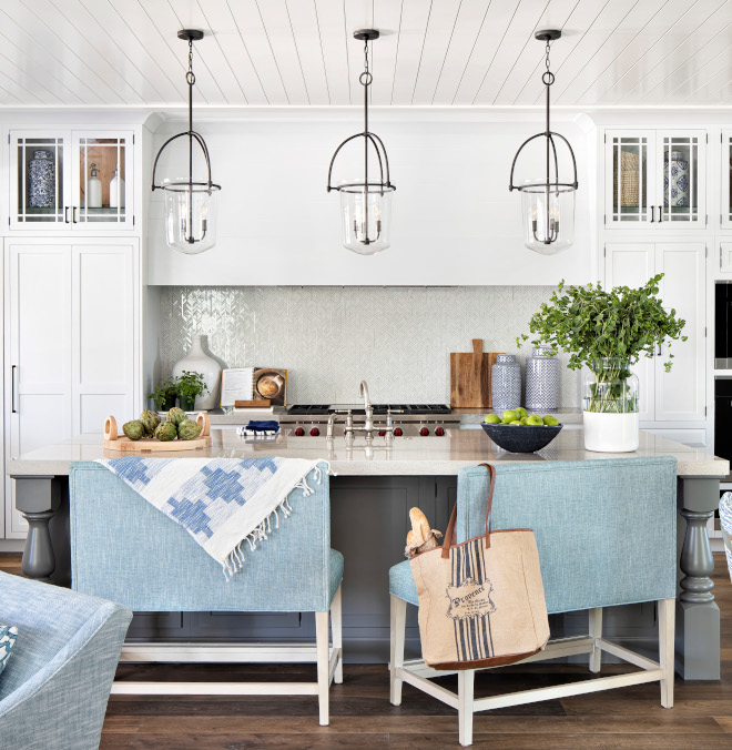 White kitchen with grey island paint color Benjamin Moore Chatilly Lace Kitchen cabinets with grey kitchen island in Benjamin Moore Chelsea Gray #Whitekitchenwithgreyisland #paintcolor #BenjaminMooreChatillyLace #Kitchencabinets #greykitchenisland #BenjaminMooreChelseaGray