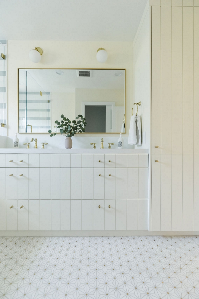 Flat with vertical paneling design cabinet in Benjamin Moore OC-117 Simply White Flat with vertical paneling design cabinet in Benjamin Moore OC-117 Simply White Flat with vertical paneling design cabinet in Benjamin Moore OC-117 Simply White Flat with vertical paneling design cabinet in Benjamin Moore OC-117 Simply White Flat with vertical paneling design cabinet in Benjamin Moore OC-117 Simply White #Flatverticalpaneling #cabinetdesign #cabinet #BenjaminMooreOC117SimplyWhite