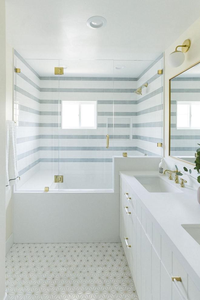 Bathroom-with-Marble-flower-mosaic-floor-tile