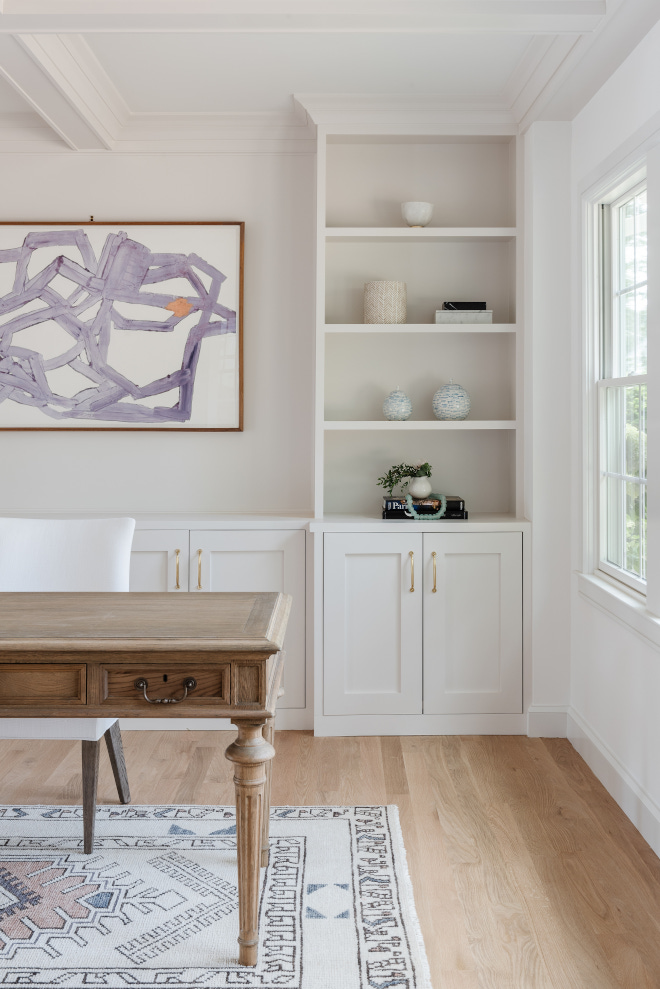 Neutral wall and cabinet paint color combination Cabinet and trim are Benjamin Moore Chantilly Lace and walls are Benjamin Moore Lacey Pearl #Neutralpaintcolors #neutralwallpaintcolor #neutralcabinetpaintcolor #paintcolorcombination #Cabinet #trim #BenjaminMooreChantillyLace #BenjaminMooreLaceyPearl