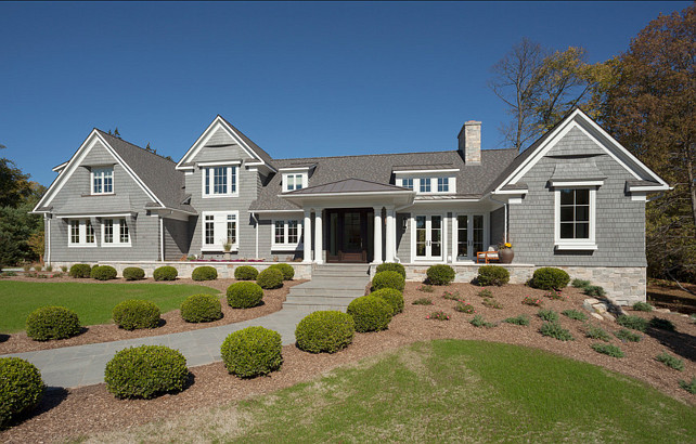 Shingle style family home home bunch interior design ideas for Home bunch architecture