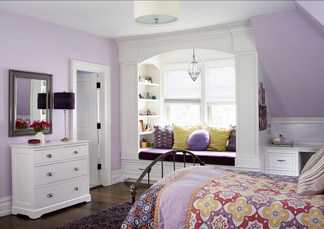 Modern family home home bunch interior design ideas for Bedroom window seat