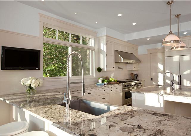 Transitional Coastal Home Bunch Interior Design Ideas
