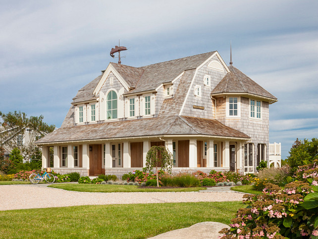 Shingled Style Home Ideas. Impressive Shingled style beach house. #BeachHouse #SingledHomes #Hamptons #Architeture