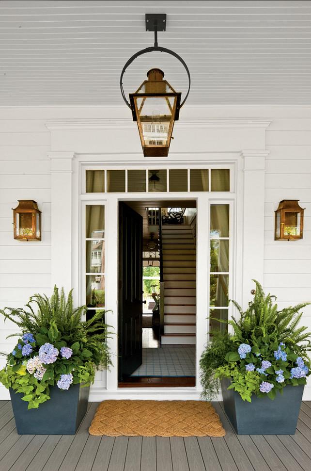 Front Door Design Ideas. Beautiful front door, lighting and planters design. #Frontdoor #FrontEntry #Entry