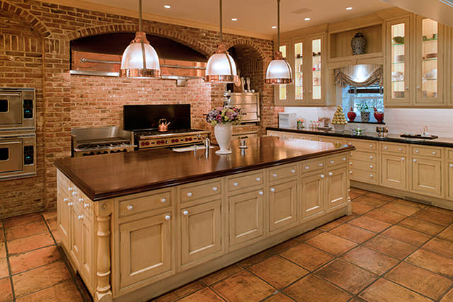 Tag archive for luxurious traditional acreage for sale for Kitchen units made of bricks