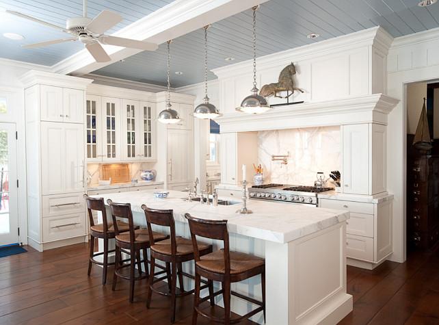 White kitchen design home bunch interior design ideas for Benjamin moore white dove kitchen cabinets