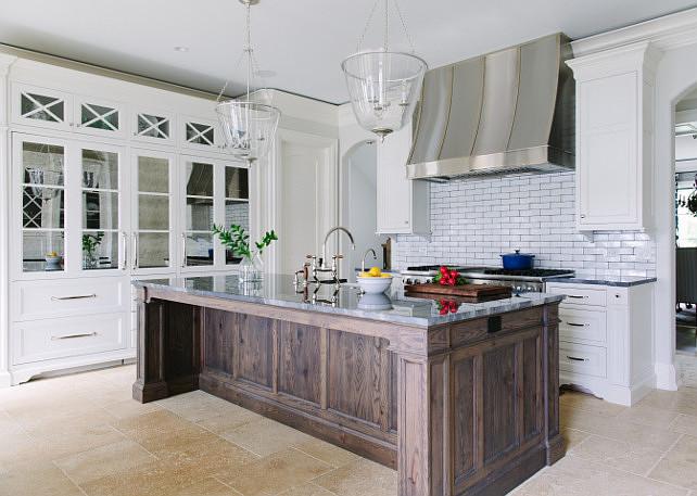 Kitchen Mirror Cabinets. Kitchen Mirror Cabinet Ideas. Kitchen Mirror Cabinet Design. Kitchen with mirrored cabinets. #Kitchen #Mirror #Mirrorrcabinet #MirroredCabinet #KitchenMirroredCabinet Kate Marker Interiors.