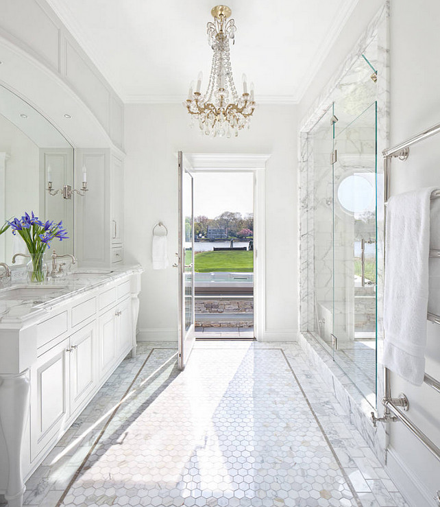 Traditional Bathroom. Traditional Bathroom Design. Traditional Bathroom Layout. Traditional Bathroom Materials. Traditional Bathroom Flooring. Traditional Bathroom Cabinets. Traditional Bathroom Lighting. #TraditionalBathroom Anthony Crisafulli Photography.