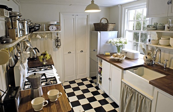 I Would Even Suggest Ditching The Upper Cabinets Altogether And Use Shelves  Instead.