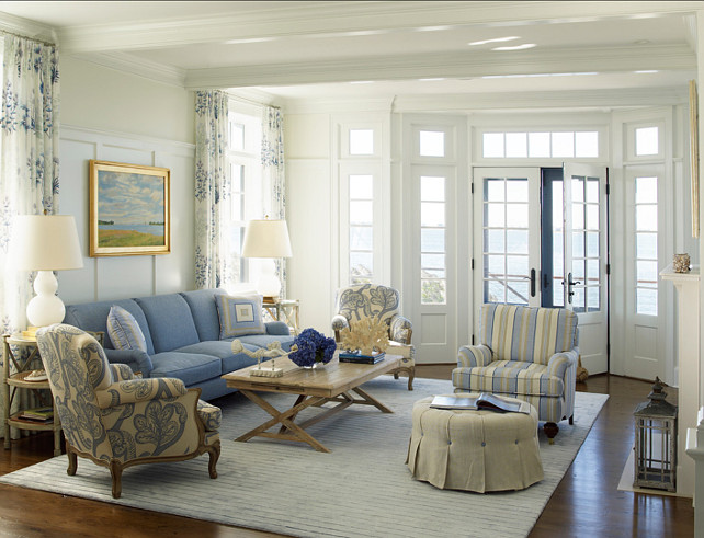 Living Room. This coastal living room feels so comfortable and stylish! #LivingRoom #Coastal #Interiors #HomDecor