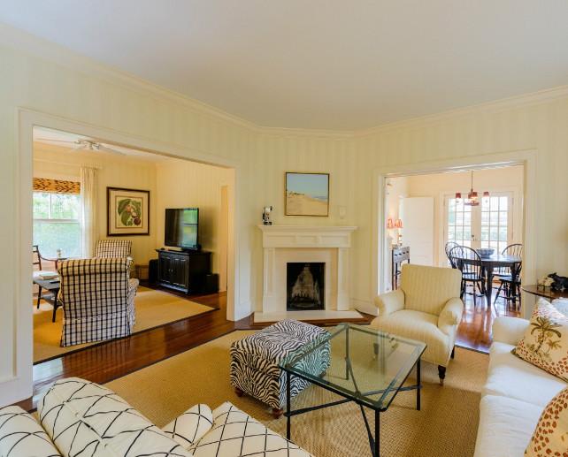 Family room Design. Elegant small family room design. #FamilyRoom